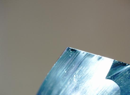 超硬ドリルの使用後の刃先先端部_2